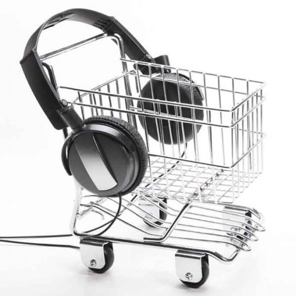 تاثیر-پخش-موسیقی-در-فروشگاه-نوید-سیفی-UPS